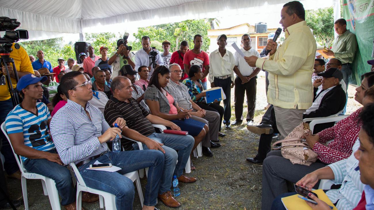 Gobierno fomentará siembra de 6 mil tareas de castaña en Yamasá; beneficiará 250 productores de varias comunidades